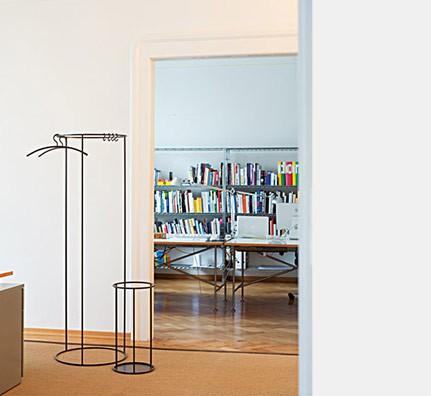 sch nbuch rack garderobe kleiderst. Black Bedroom Furniture Sets. Home Design Ideas